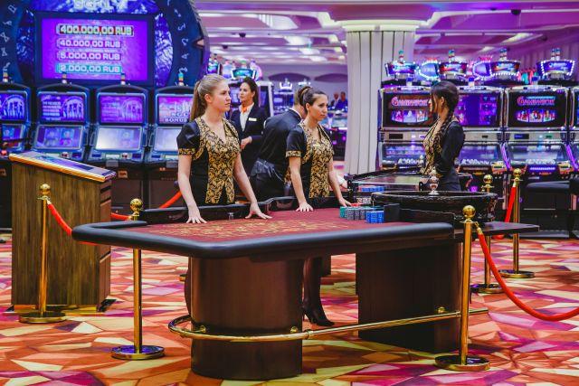 Казино кристалл закрыли казино карты игровой автомат