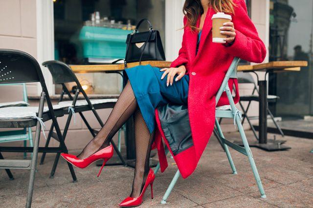 Красное с синим, желтое с фиолетовым? Как грамотно сочетать цвета в одежде