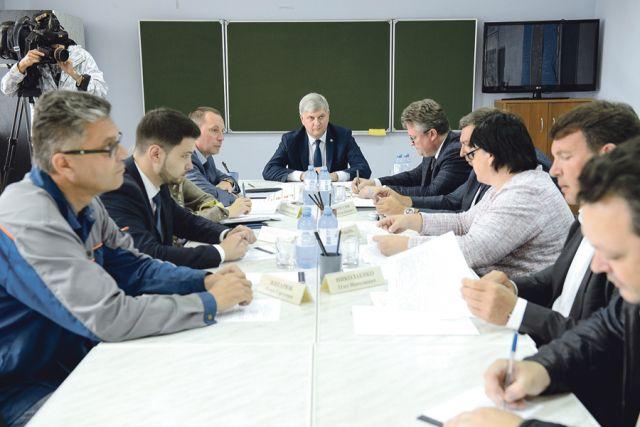 На выездном совещании губернатор дал ряд важных поручений.