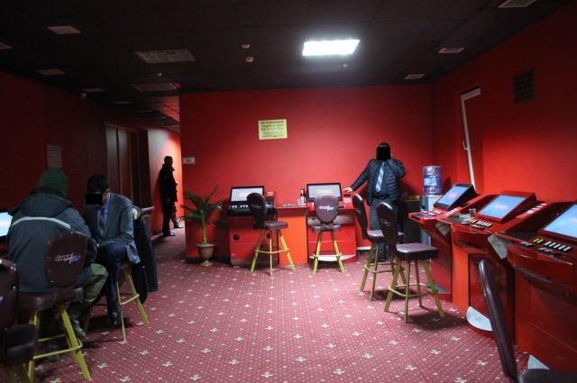 Ковровчанин организовал сеть подпольных казино казино ставки в рублях играть