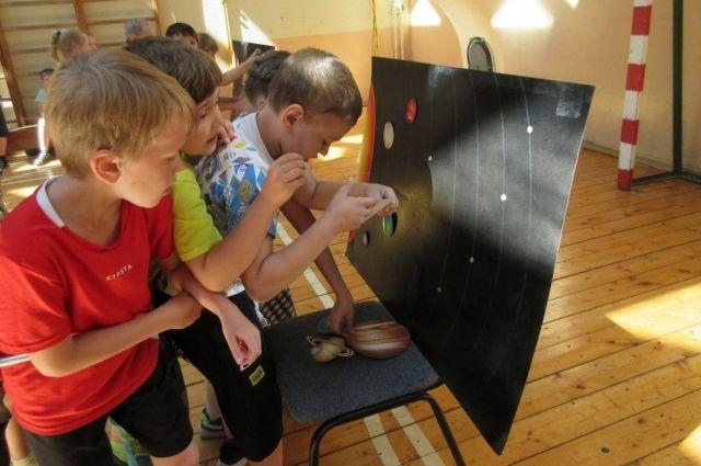 В летнем лагере лицеисты участвовали в конкурсах на космические темы.