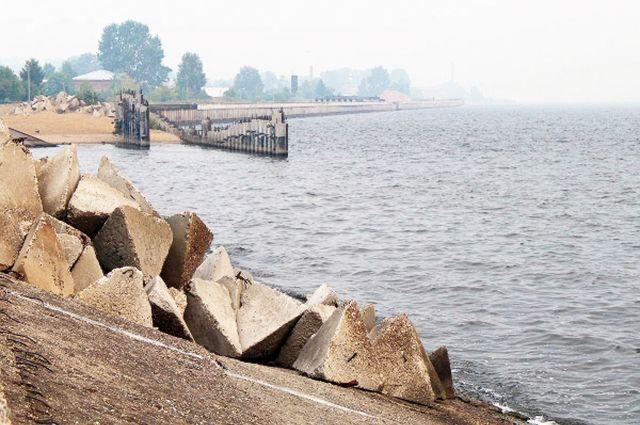 Дамбу в Юрьевце построили одновременно с заполнением Горьковского водохранилища в 1955-57 годы.