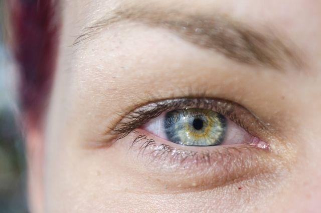Как защитить глаза летом?