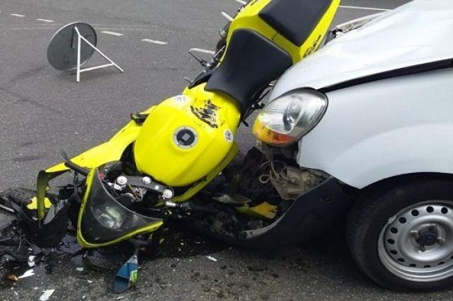 На Балтийском Шоссе в ДТП пострадал мотоциклист
