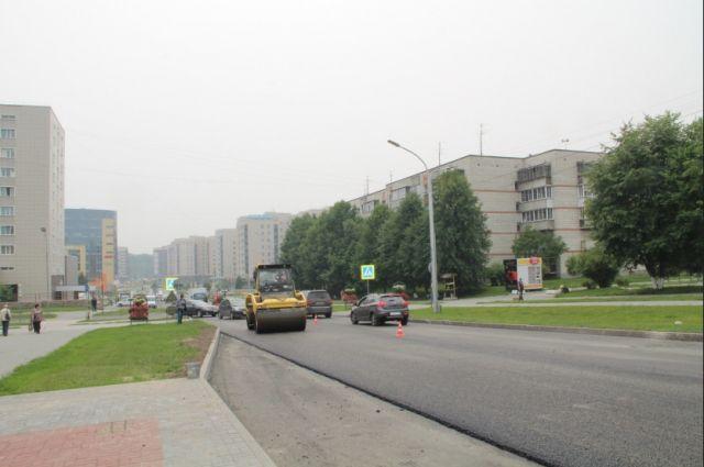 Изношенные дороги, требующие срочного ремонта, есть везде. Новосибирск, будучи третьим по численности населения городом в России, – не исключение.