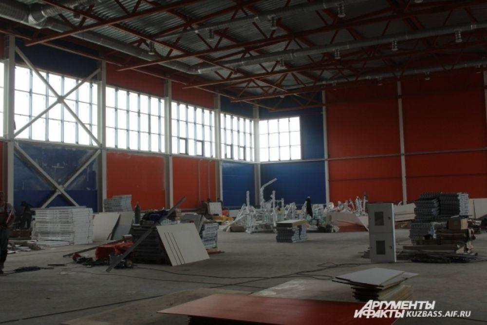 Продолжаются отделочные работы во втором спортивном помещении.