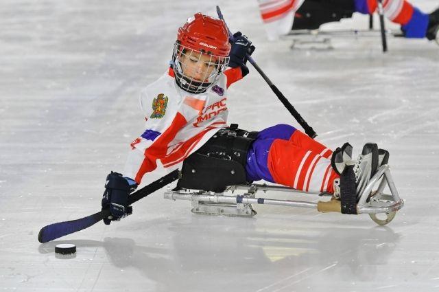 Юные хоккеисты будут заниматься во дворце «Кристалл арена» по 2-3 раза в неделю.
