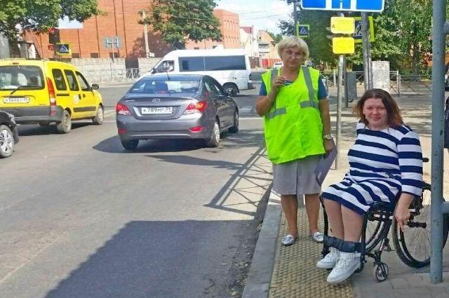 Отремонтированную инфраструктуру проверили на доступность для инвалидов