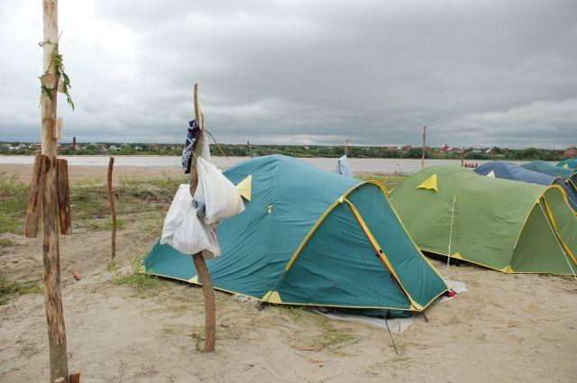 Палаточный лагерь – это романтика, но в первую очередь должна быть безопасность.