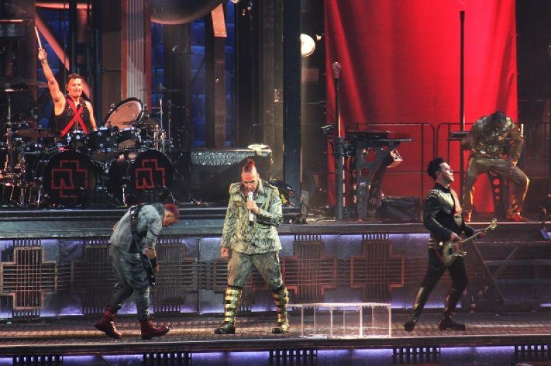 Шоу Rammstein в Петербурге ждали.