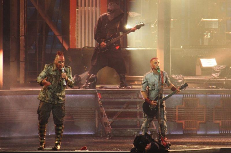 На концерт пришло больше 60 000 зрителей.