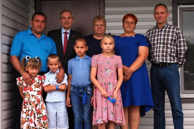 В Казанском районе построили новый дом для многодетной семьи