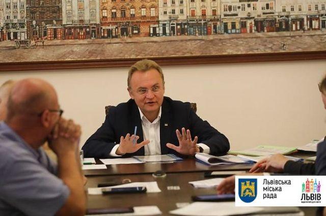 Во Львове планируют создать условия для еженедельного купания бездомных