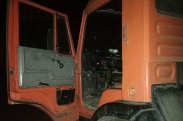 «Автоледи» угнала КАМАЗ, который принадлежит строительной кампании, где водителем работает ее отец