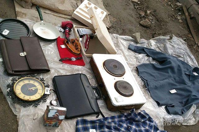 Тюменцы смогут преобразить старые вещи или продать их на барахолке
