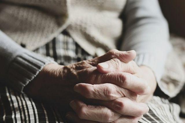 Пожилая женщина не помнила, где на живёт и как её зовут.