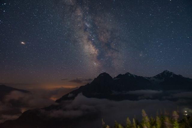 С часу ночи до четырёх часов утра – лучшее время смотреть на звёзды.