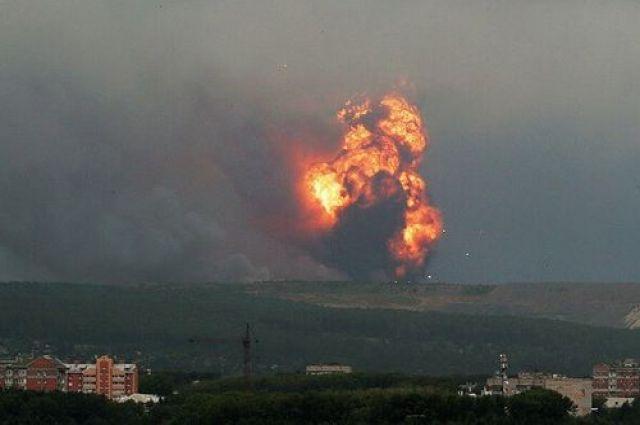 После взрыва десятки людей обратились за медицинской помощью.