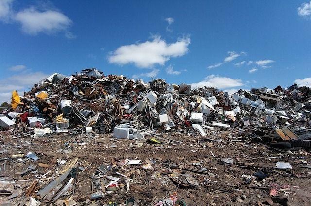 Несанкционированные свалки появились в тех местах, где стояли мусорные контейнеры.