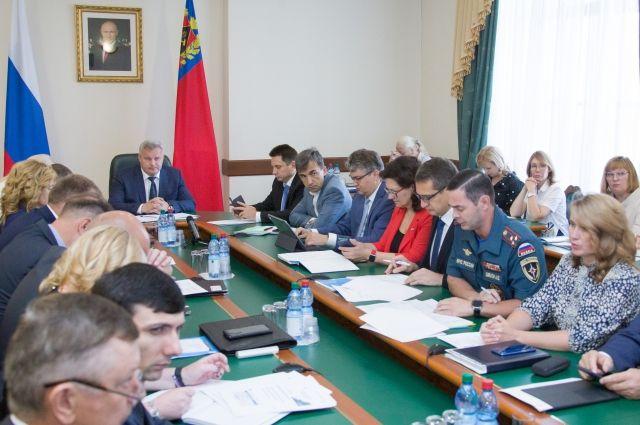Замгубернатора Елена Пахомова провела аппаратное совещание.