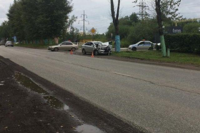 Авария произошла на улице Соликамской.