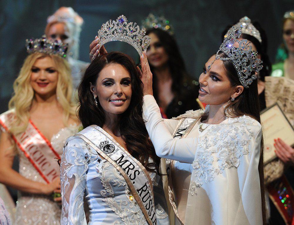 Победительница в номинации «Миссис Россия Globe» Ксения Кривко (Кемерово).