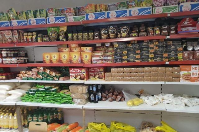 Жителям Тазовского района доставляют зимние запасы топлива и продовольствия