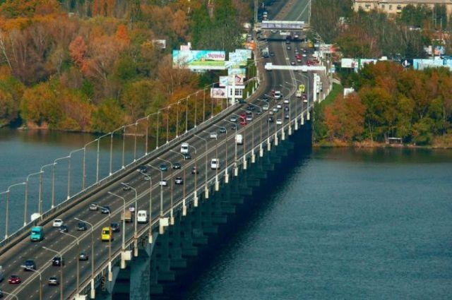 Прокуратура взялась за дело ремонта моста в Днепре