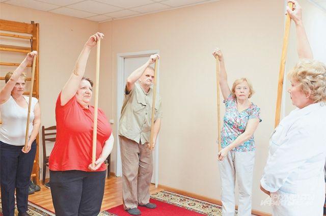 Попасть на бесплатные занятия по лечебной физкультуре могут все участники проекта «Московское долголетие».