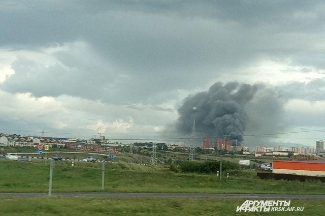 К 19:42 местного времени огонь был локализован на площади 5 тыс кв.м.