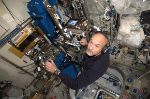 Итальянский астронавт Пармитано станет первым космическим диджеем