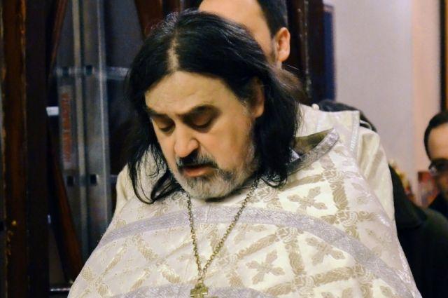 Плач младенцев во время крещения, по мнению священника, норма.
