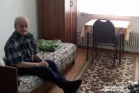 Пенсионеры боятся возвращаться в посёлок и признаются, что в пунктах временного размещения им спокойнее.