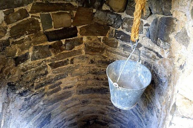 В Тюменской области 90% воды из скважин и колодцев не отвечают требованиям