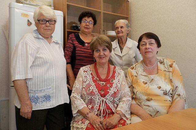 Эти женщины разменяли восьмой десяток, но они не только не растеряли энергию сами, но и делятся ей с другими.