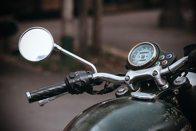 Житель Немана украл мотоцикл и укатил его за город
