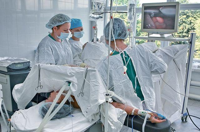 В обновлённых операционных уже вовсю осуществляются хирургические вмешательства.