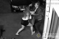 В Киеве мужчина пытался изнасиловать несовершеннолетнюю