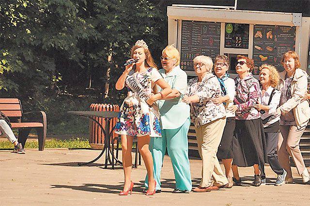 Занятия вокалом в «Московском долголетии» помогают людям раскрыться и проявить себя.