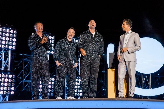 MOZGI и Олег Винник представят новые песни в шоу «С Днем рождения, Украина»