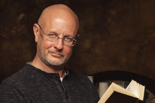 Переводчик Дмитрий Пучков начал эксклюзивное сотрудничество с «Ростелекомом»