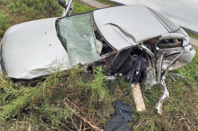 Водитель легковушки скончался от полученной травмы на месте.