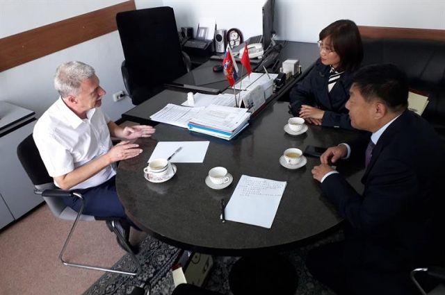 С представителями Китая ведутся переговоры об открытии центра.