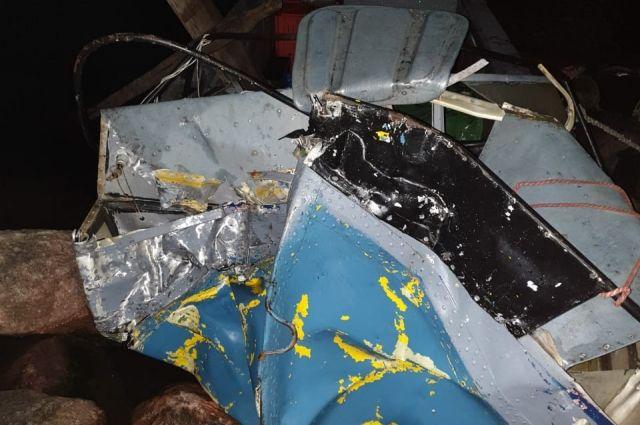 Вот так выглядит катер после аварии.