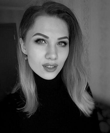 Бортпроводница Яна Ягодина.