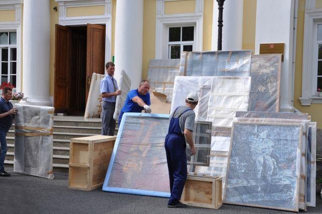 Коллекция Оренбургского музея ИЗО пополнилась почти 500 шедеврами