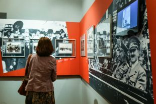 Гитлер хотел приехать к Сталину? В Москве пройдет уникальная выставка