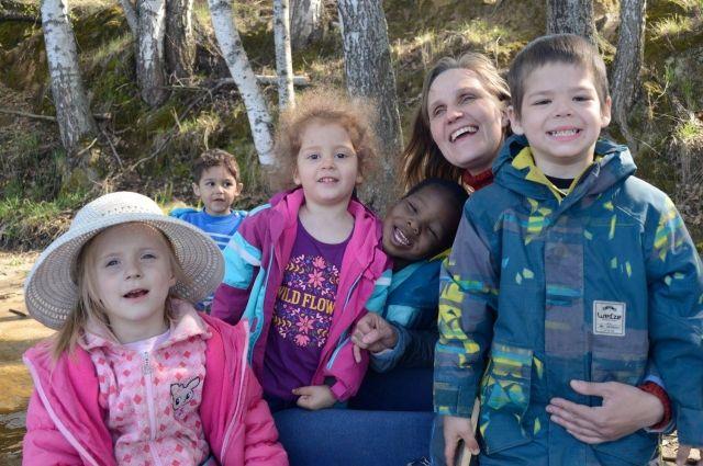 Дети достойны счастливого детства рядом с добрыми и надёжными взрослыми.