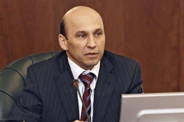Знак отличия за заслуги перед Тюменской областью вручили Сергею Сарычеву