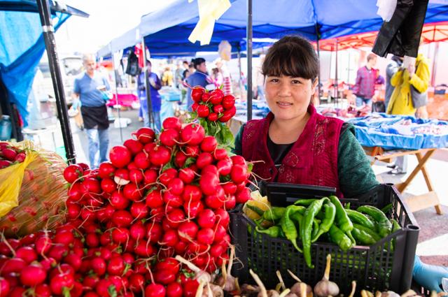 В Тюмени все чаще стали продавать сельхозтовары местных производителей